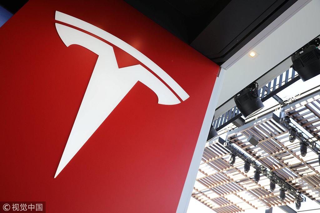 特斯拉本周末交付标准版Model 3