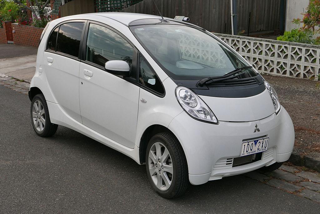 三菱研发住宅太阳能+储能电动汽车充电设施